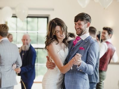 How Can You Prepare Your Wedding Dance At Home?